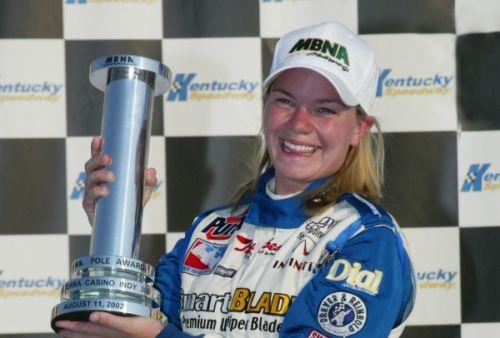Sarah Fisher pakt haar eerste pole in Kentucky 2001