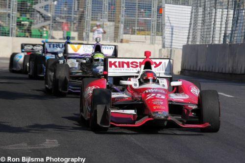 Marco Andretti leidt voor Tony Kanaan in Baltimore