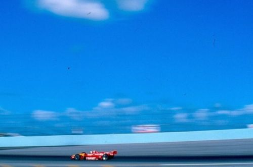 Jimmy Vasser wint de eerste CART race op Homestead