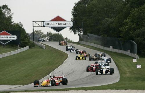 De start van de 2004 Champcarrace op Road America