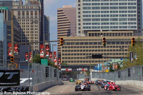 Scott Dixon leidt de start voor Will Power in Baltimore