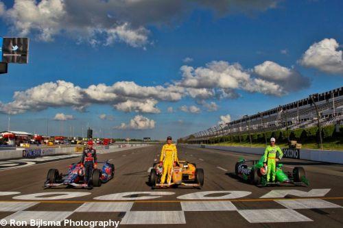 Marco Andretti, Ryan Hunter-Reay en James Hinchcliffe vormen de eerste rij op Pocono