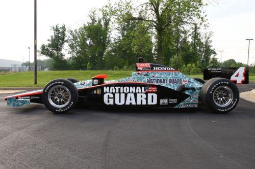 De Panther Racing kleurstelling voor de Indianapolis 500 van 2010