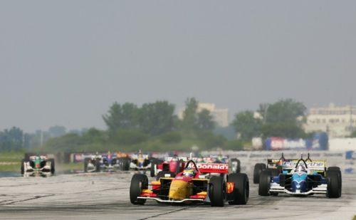 De start van de 2004 Champcarrace op het vliegveld van Cleveland