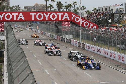Alexander Rossi leidt de start in Long Beach