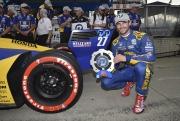 Alexander Rossi met de NTT P1 Award voor Detroit race 1