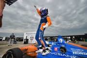 Scott Dixon wint op World Wide Technology Raceway at Gateway