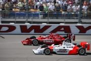 Wheldon en Briscoe in gevecht tijdens de race in Iowa