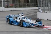Juan Pablo Montoya traint voor de Honda Indy Toronto