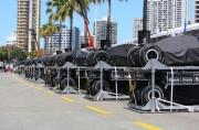 De IndyCars staan klaar in de pitstraat van Surfers Paradise