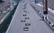 Wagens rijden achter de pacecar tijdens de laatste Indy 500 onder de CART organisatie, in 1995