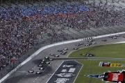 Alex Tagliani leidt het veld bij de start van de Race 1 op de Texas Speedway