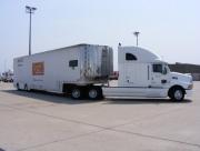 Dale Coyne Racing arriveert op het vliegveld
