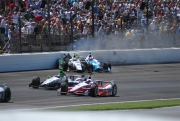 Ed Carpenter en James Hinchcliffe crashen in Indianapolis