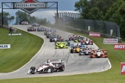 Helio Castroneves leidt de start op Road America