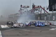 De start van de Firestone Grand Prix of St. Petersburg