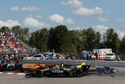 James Hinchcliffe en Zach Veach zijn slachtoffers van Graham Rahal na de start in Portland