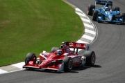 Scott Dixon voor teamgenoot Dario Franchitti op het Barber Motorsports Park