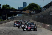 Takuma Sato leidt de start in Detroit
