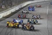James Hinchcliffe leidt de herstart op de Texas Motor Speedway