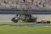 Ryan Briscoe crasht zwaar in Fontana