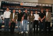 (van links naar recht) Meindert van Buuren, Bart Rietbergen, Sebastien Bourdais, Robert Doornbos, Jan Heylen, Simon Pagenaud, Justin Wilson en Steve Johnson