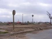 Greensburg, KS is een jaar na de tornado nog een kale vlakte